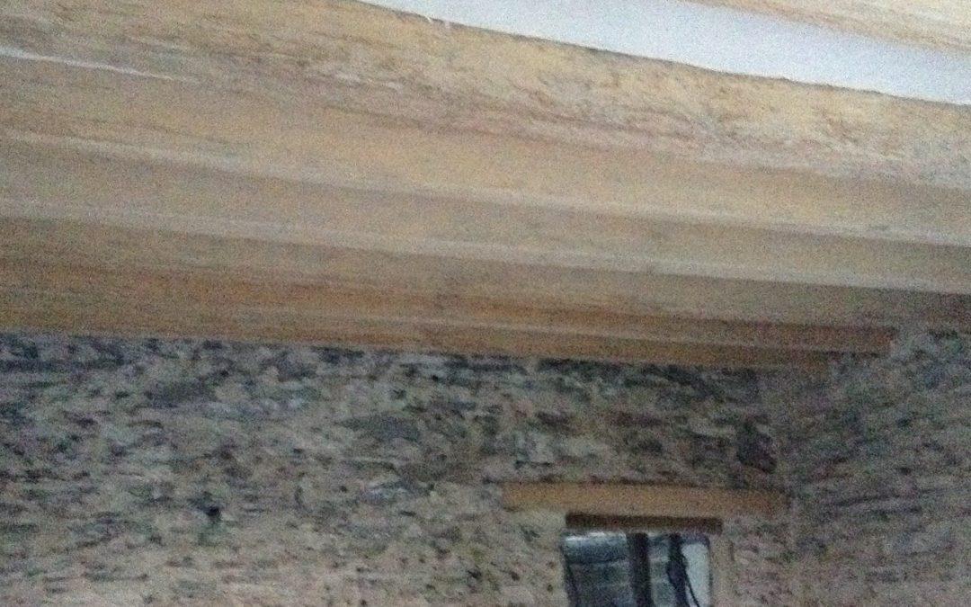 Sablage par aerogommage de poutres à Trelazé dans le Maine et Loire
