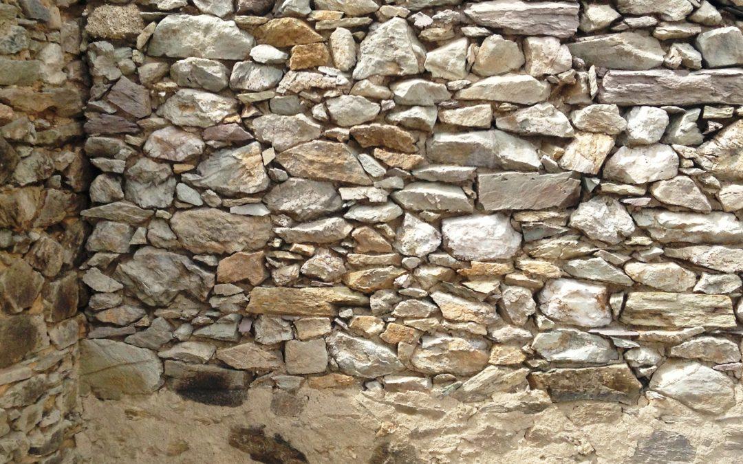 Sablage par aerogommage de pierres à vues  réalisé à Faye d'Anjou