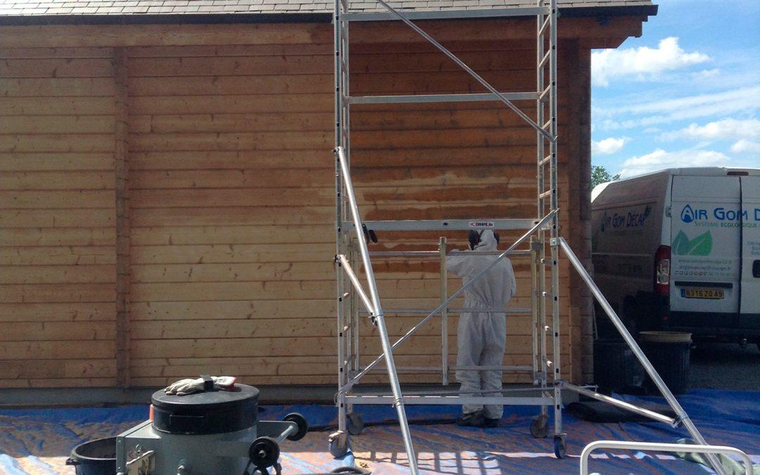 Aérogommage façade bois en Mayenne