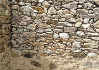 Sablage par aerogommage de pierres  vues  réalisé à Faye d'Anjou