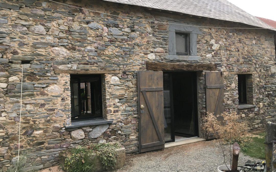 Aerogommage de façades en pierres apparentes