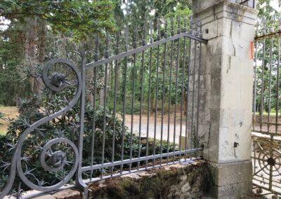 Décapage par aérogommage de grilles en fer forgé – Lion d'Angers (49)